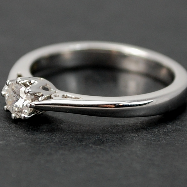 18ct White Gold Brilliant Cut 0.26 Carat Diamond Ring in Modern Jewellery from Coopers Jewellery, North Devon