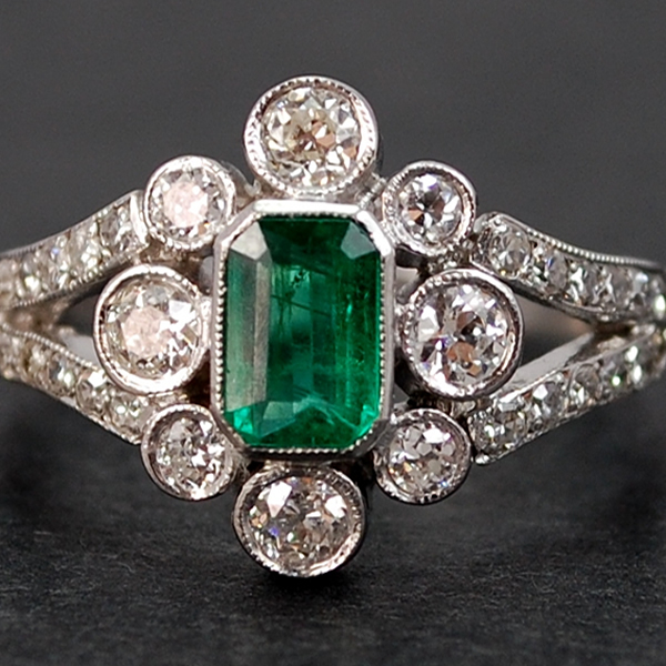 Art Deco 18ct White Gold Emerald and Diamond Cluster Ring  in Vintage Jewellery from Coopers Jewellery, North Devon
