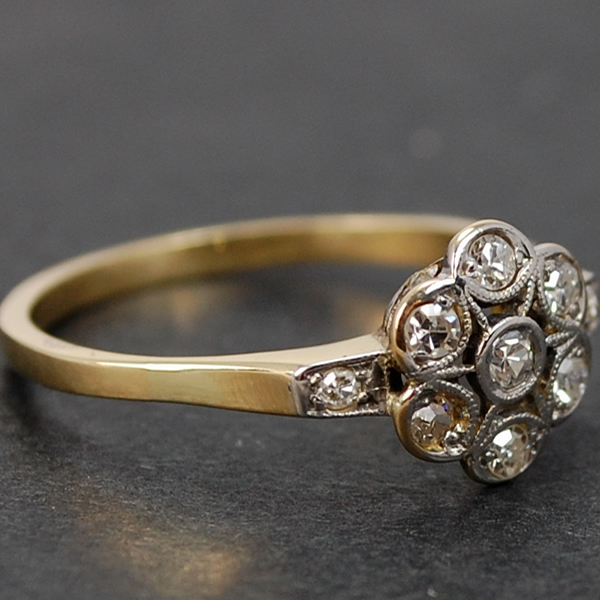18ct Yellow Gold Daisy Cluster Diamond Ring  in Vintage Jewellery from Coopers Jewellery, North Devon
