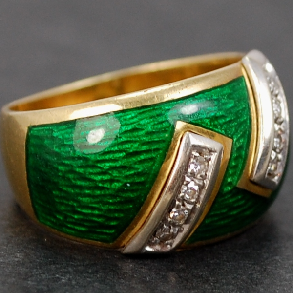 18ct Yellow Gold Green Enamel and Diamond Band Ring in Vintage Jewellery from Coopers Jewellery, North Devon