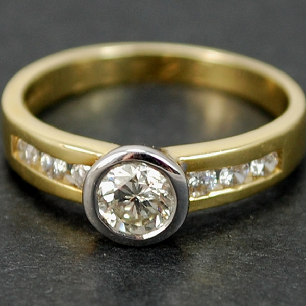 18ct Yellow Gold Brilliant Cut 0.80 Carat Diamond Ring in Modern Jewellery from Coopers Jewellery, North Devon