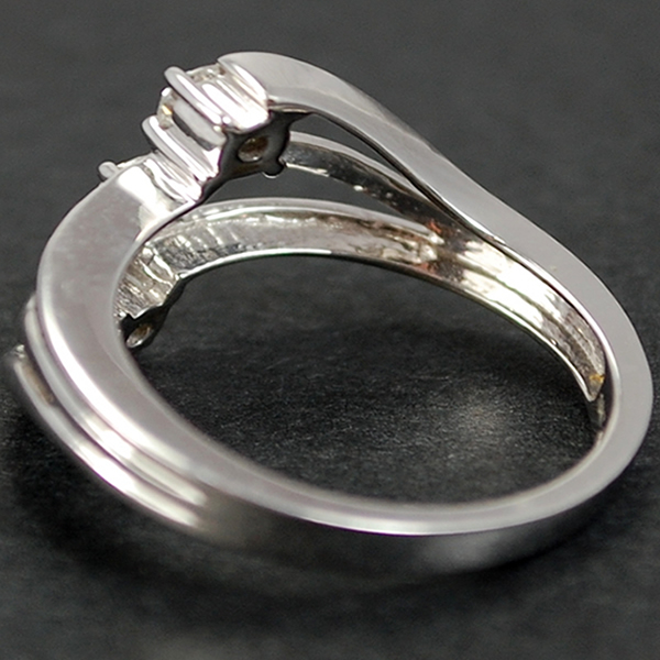 18ct White Gold Diamond Twist Ring in Modern Jewellery from Coopers Jewellery, North Devon