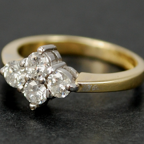 Vintage 18ct Yellow Gold 4 Stone Diamond Ring in Vintage Jewellery from Coopers Jewellery, North Devon
