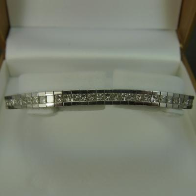 18ct White Gold Princess Cut Diamond Line Bracelet  in Vintage Jewellery from Coopers Jewellery, North Devon