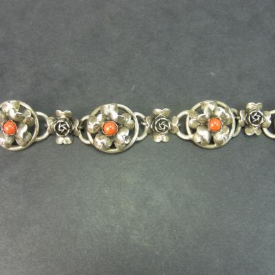 Silver and Coral Peruzzi Ladies Bracelet in Vintage Jewellery from Coopers Jewellery, North Devon